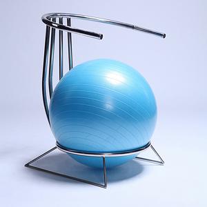 漂浮的瑜伽球