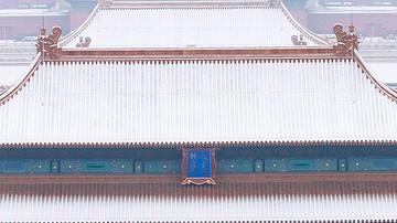 600岁故宫美爆了!一场初雪,惊艳紫禁城,5万人冲进去齐赏雪